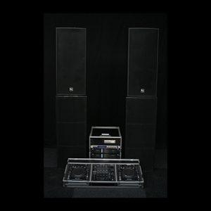 Geluid Set Large met DJ Set Pebe Verhuur Lydison Verhuur