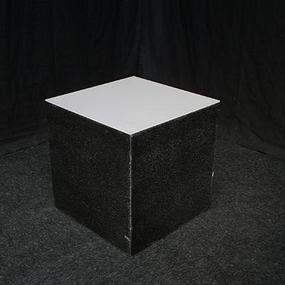 Lounge tafeltje 50 x 50 cm Stone Zwart Lydison Verhuur