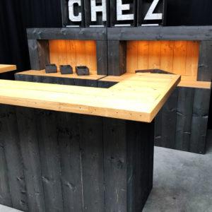 Achterwand Steigerhout Zwart - Bruin met LED verlichting CHEZ Lydison Verhuur